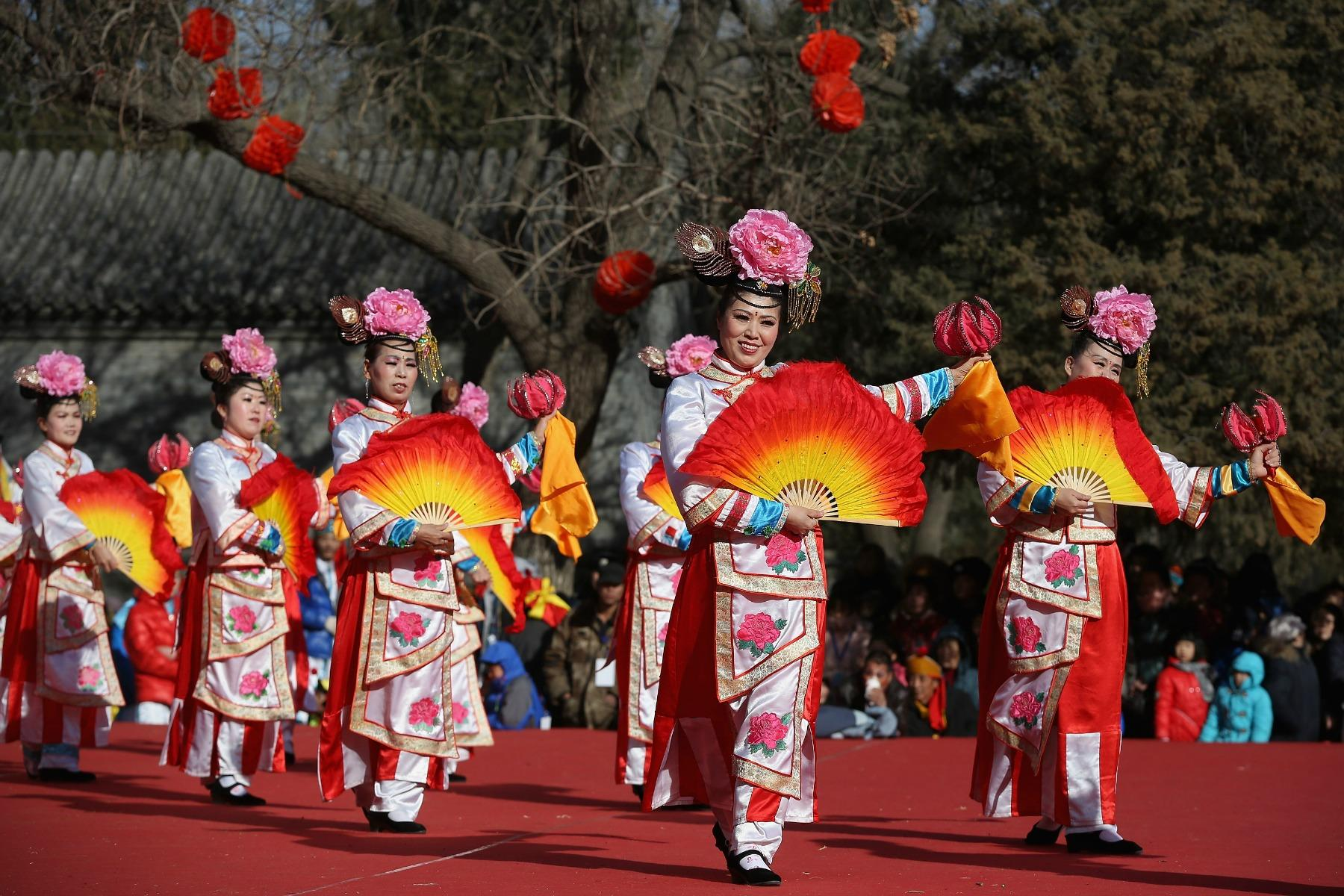 Culture of China - history, people, clothing, traditions, women, beliefs Pictures of chinese culture and traditions