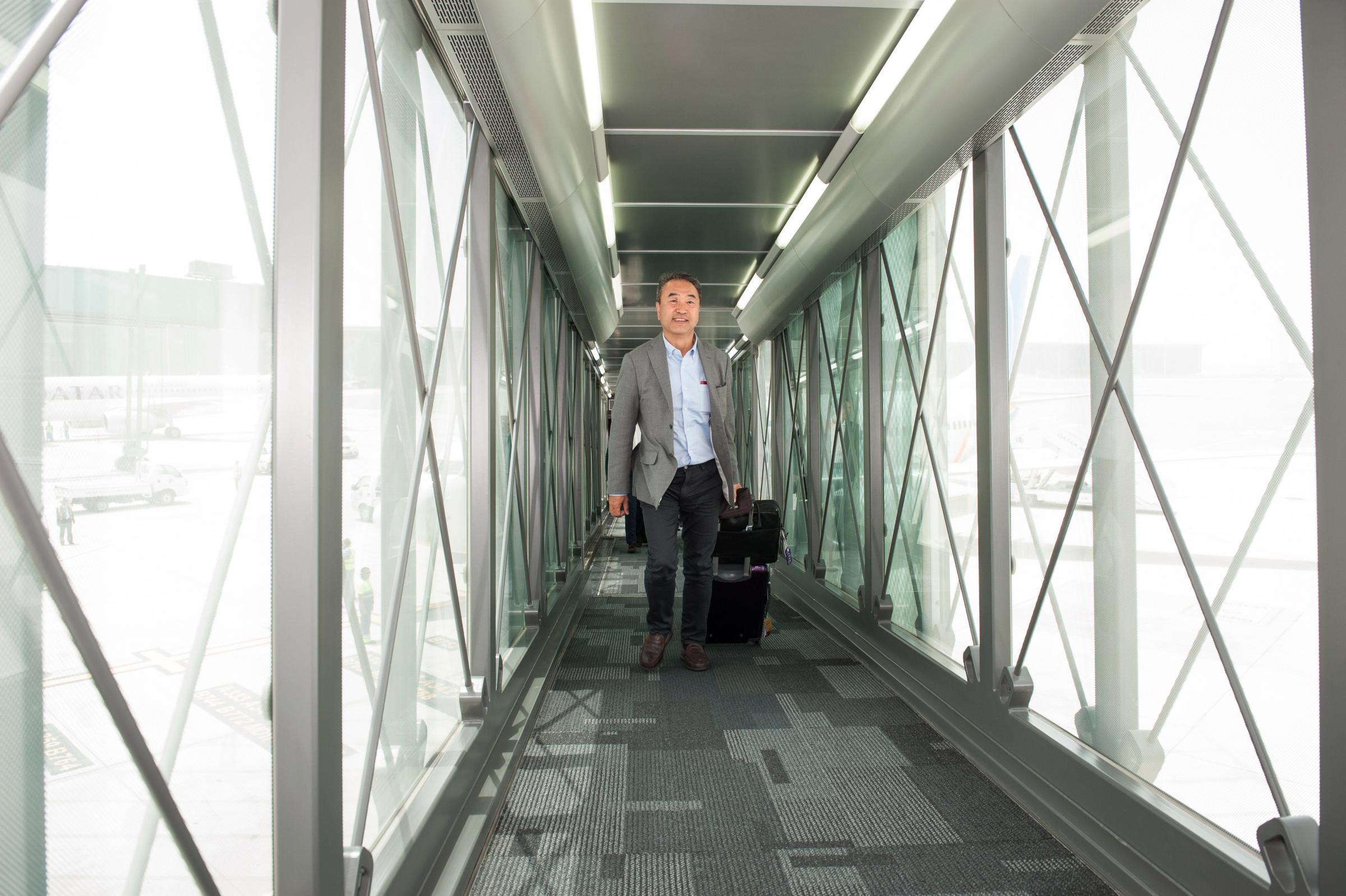 Aeroporto Hamad : Fontane d acqua e chaise longue inaugurato a doha il