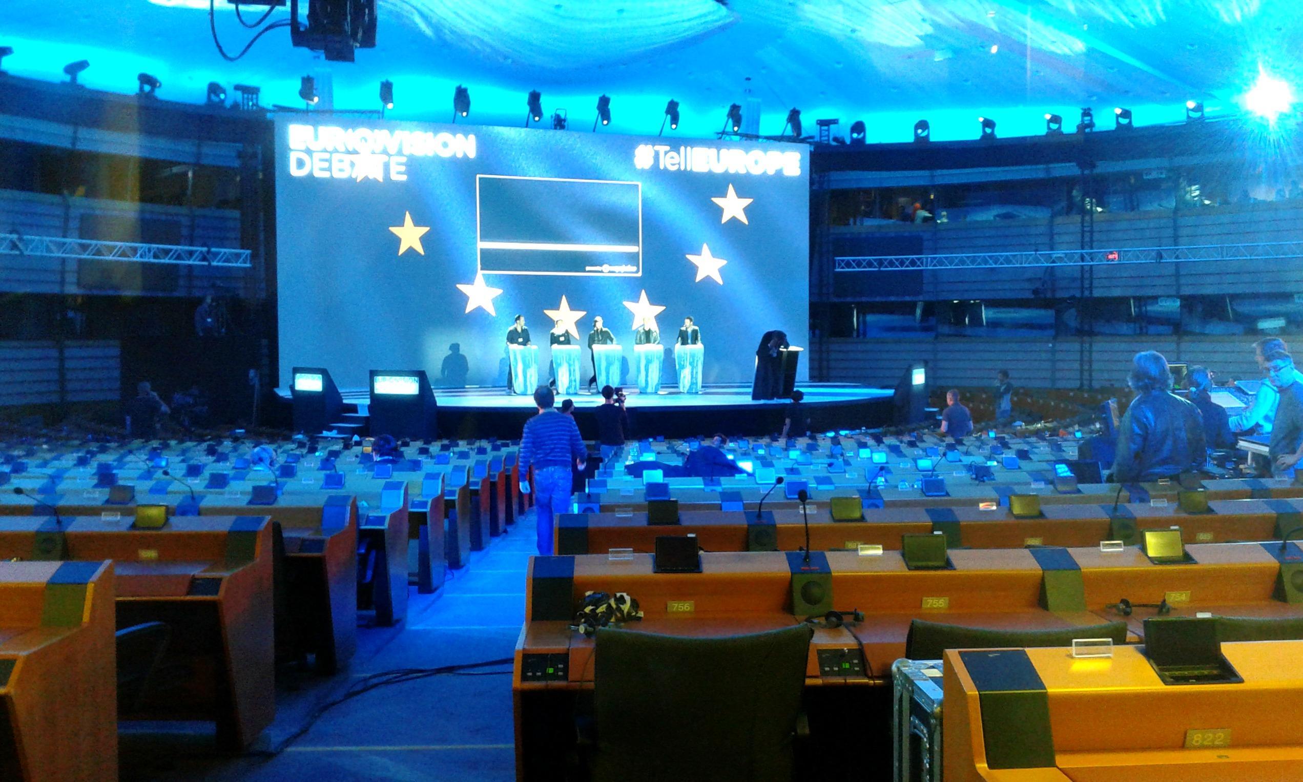 Bruxelles il parlamento europeo diventa studio tv per la for Streaming parlamento