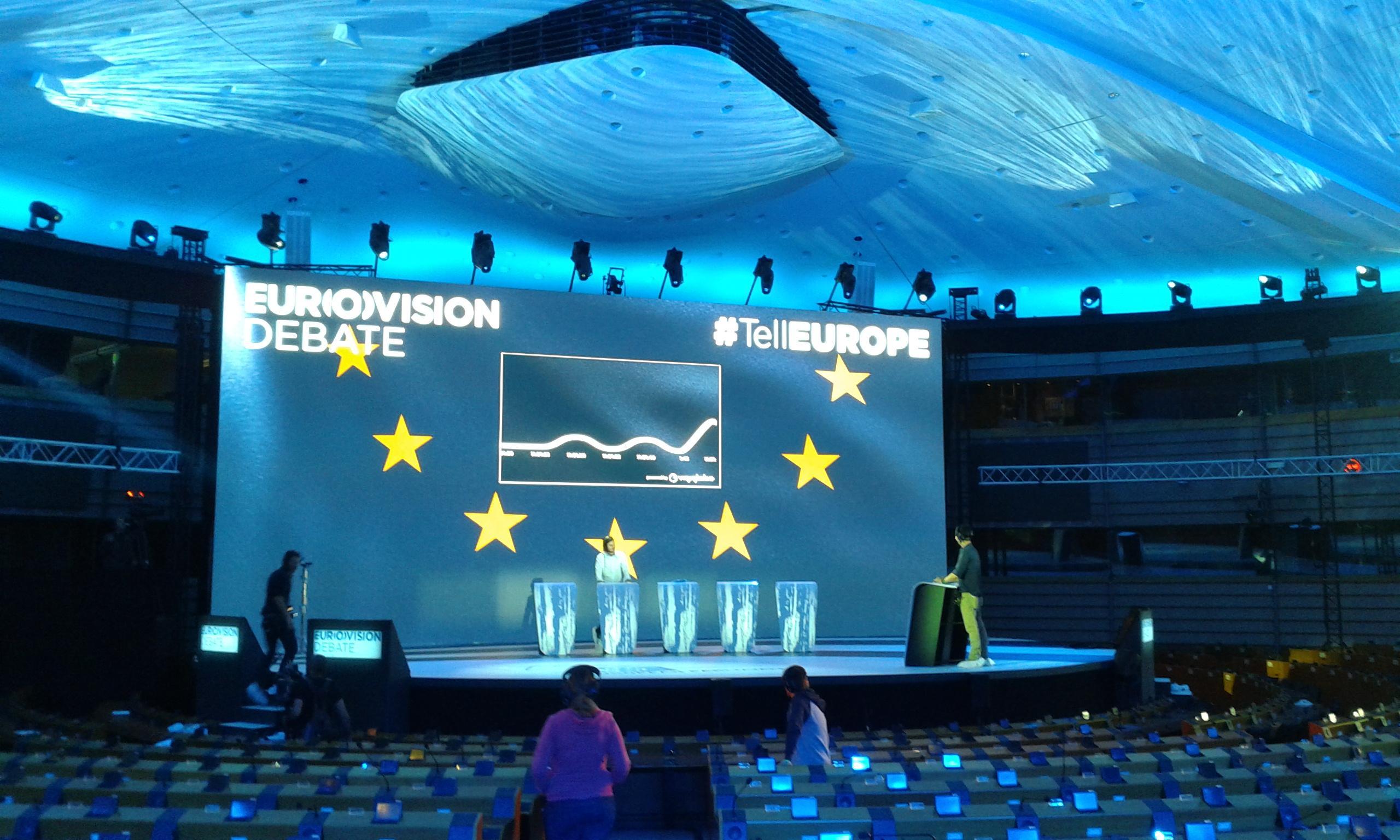 Bruxelles il parlamento europeo diventa studio tv per la for Diretta dal parlamento