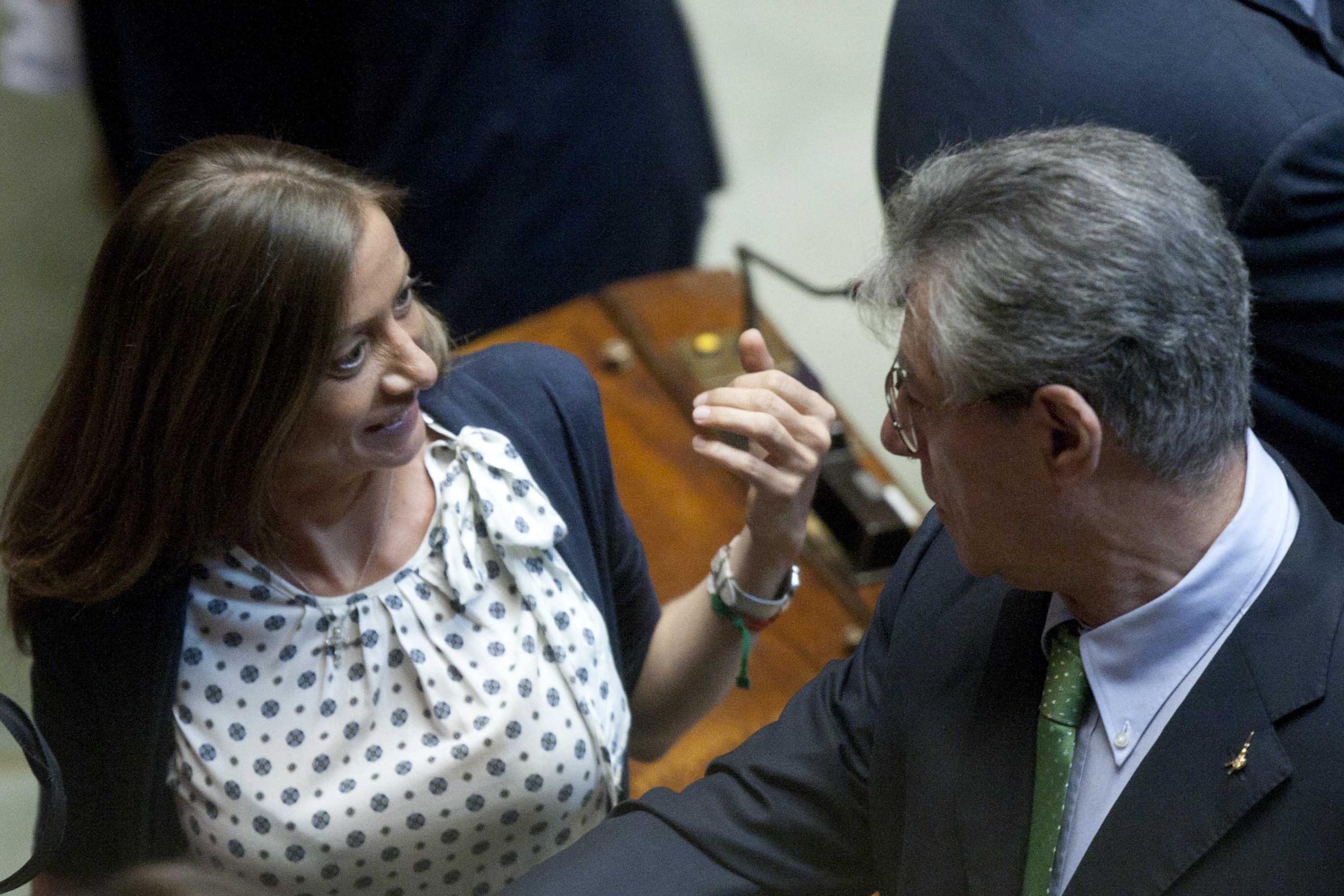 Forza italia richiama i parlamentari morosi se non pagate for Parlamentari forza italia