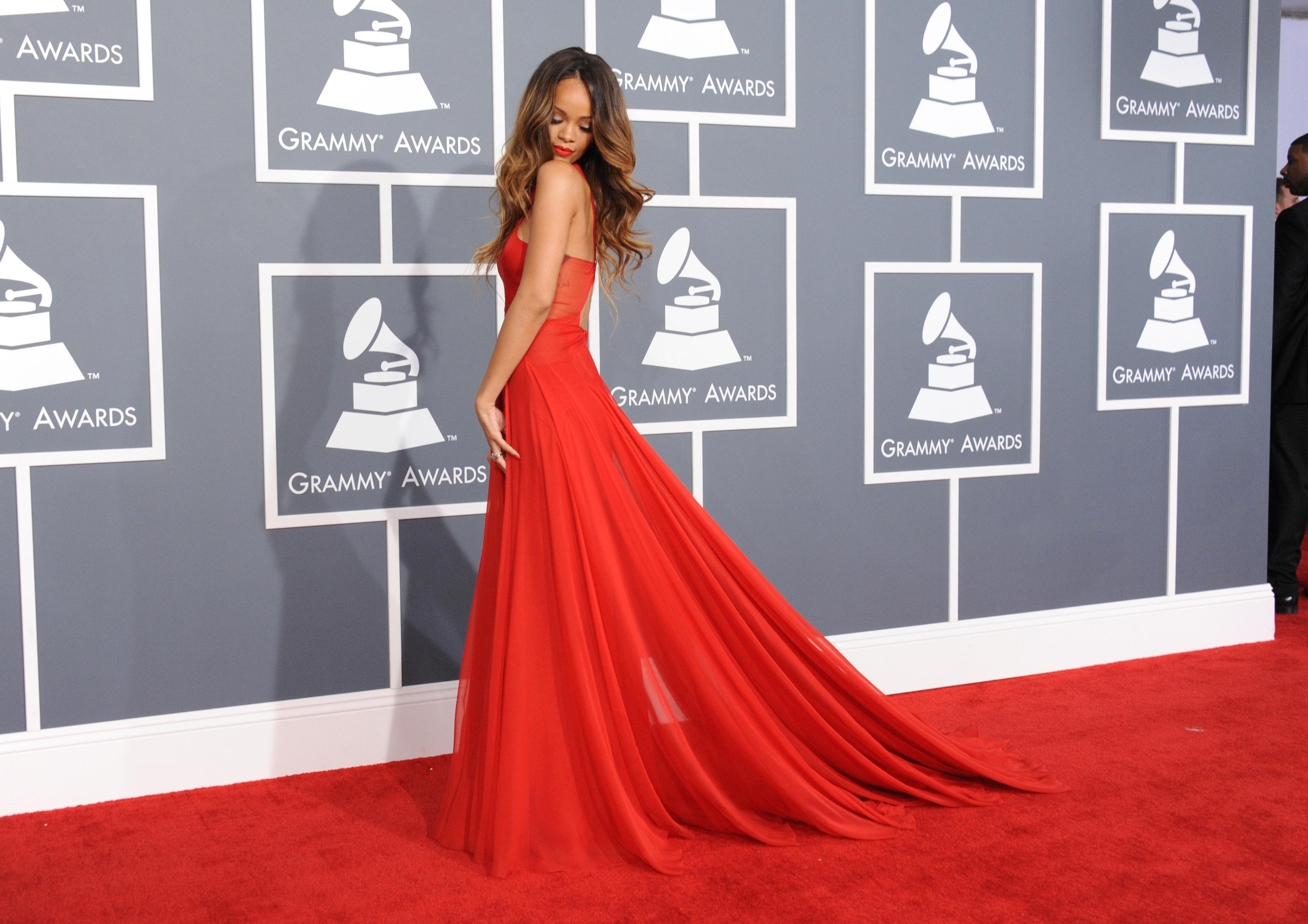 Grammys: Rihanna Vedo Non Vedo Ai Cfda Awards, Eletta Icona Fashion