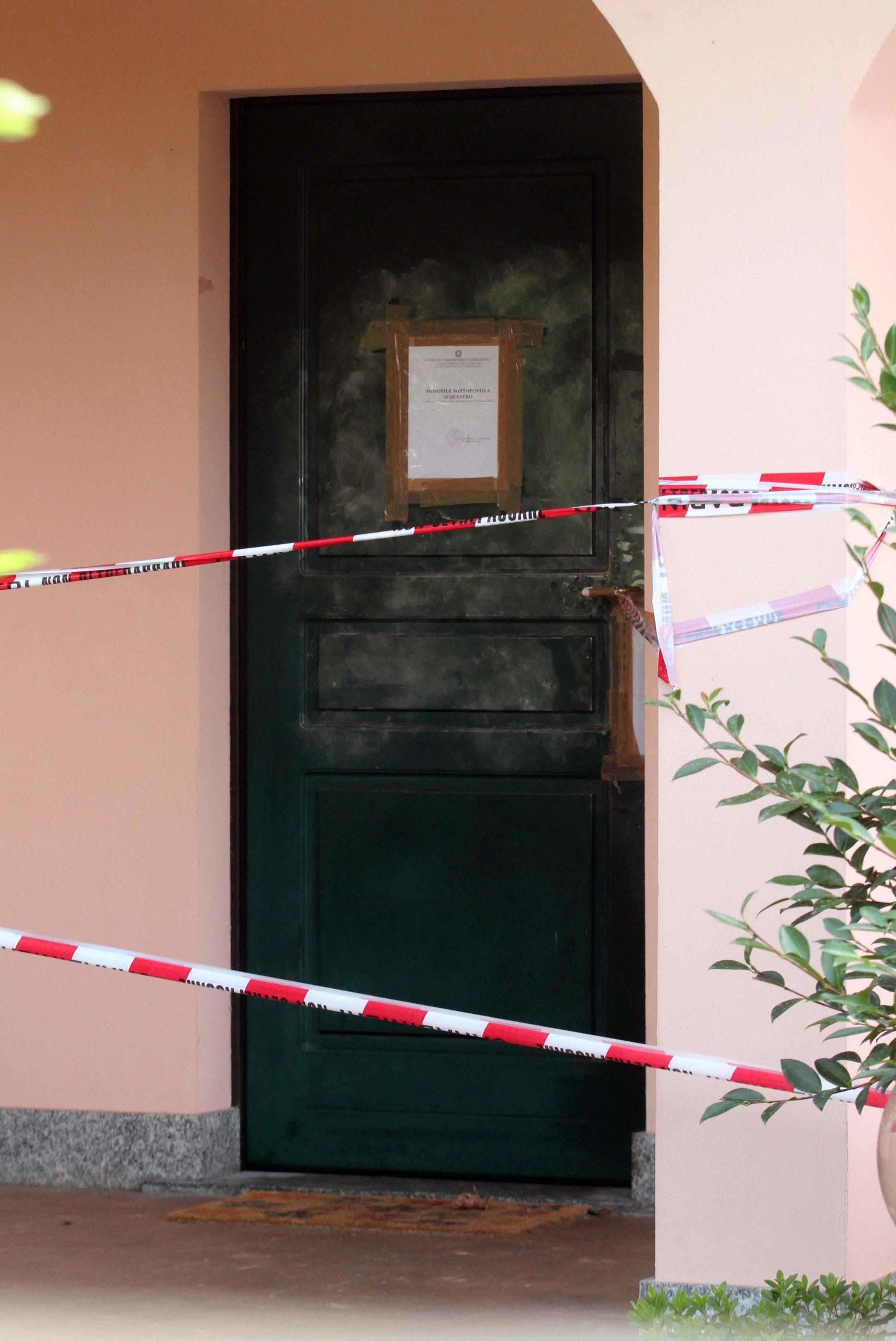 Tragedia motta visconti sotto sequestro la villa del for Cap villa del conte