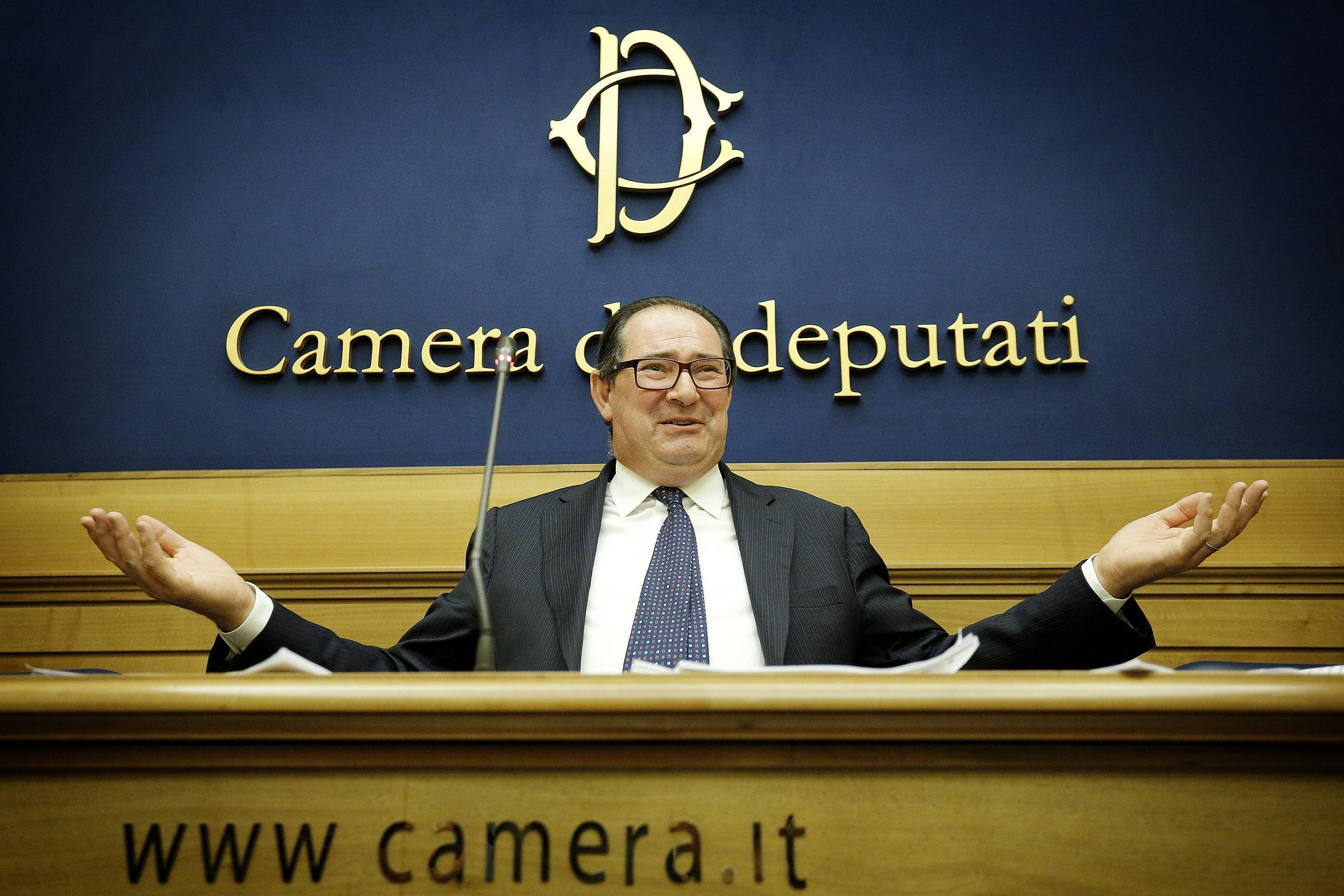 Chi giancarlo galan photogallery rai news for Camera deputati live