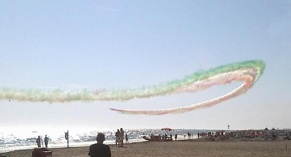 Matrimonio Sul Litorale Romano : Le prove dell air show sul litorale romano di ostia