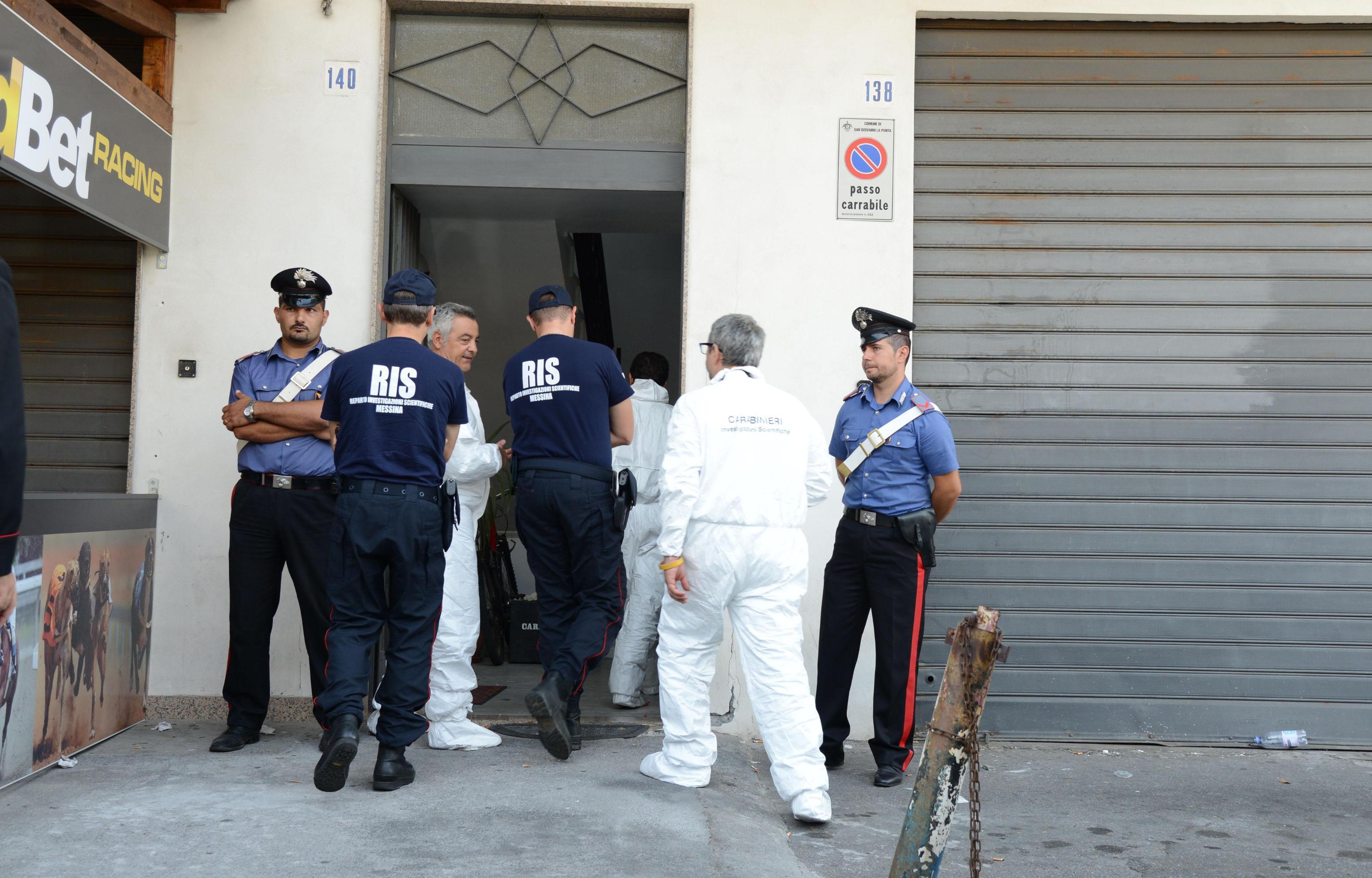 Catania padre accoltella le due figlie uccide bimba di for Subito offerte lavoro catania