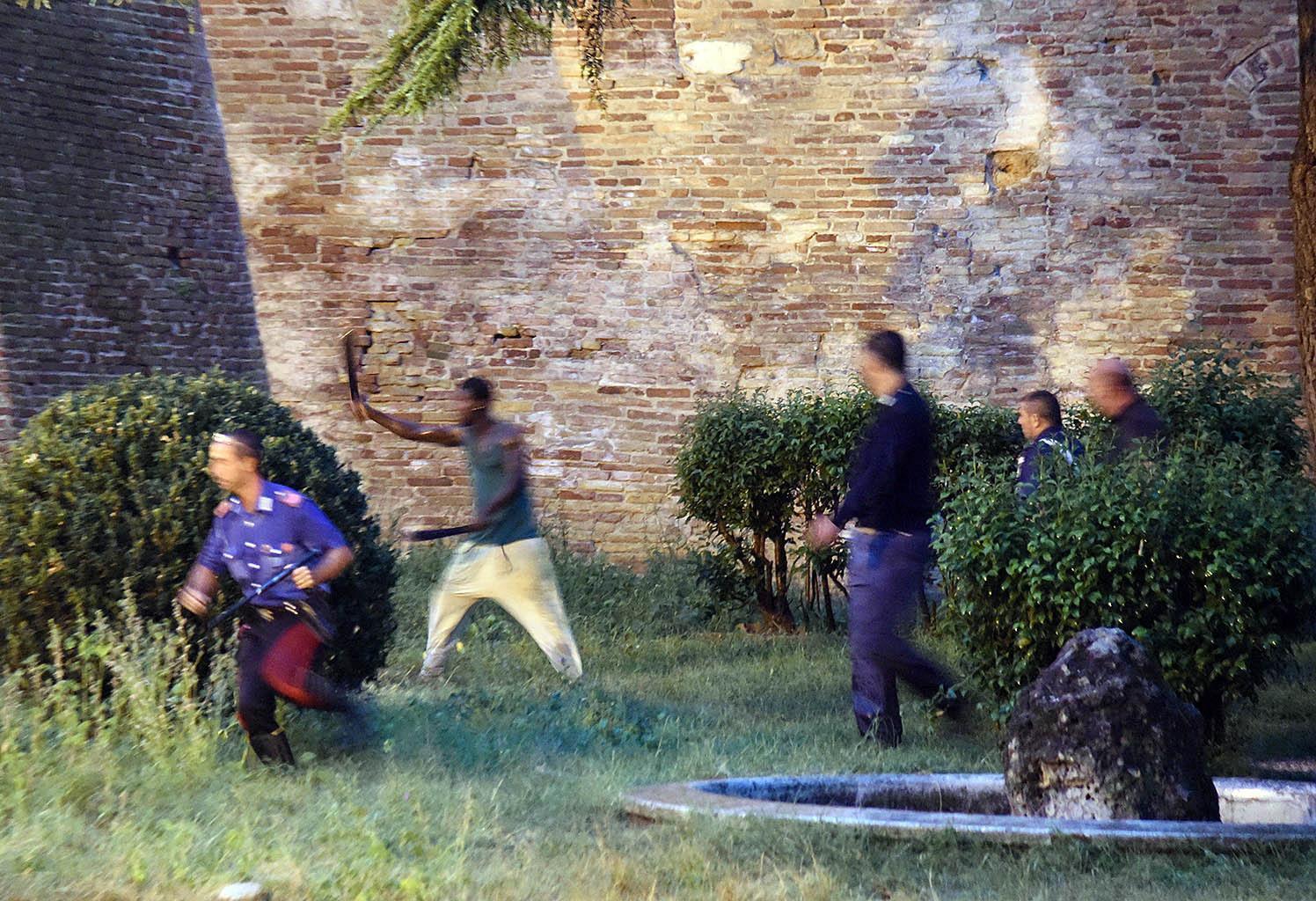 Dal terrore all 39 arresto la sequenza della scorribanda con for Cronaca galatina oggi