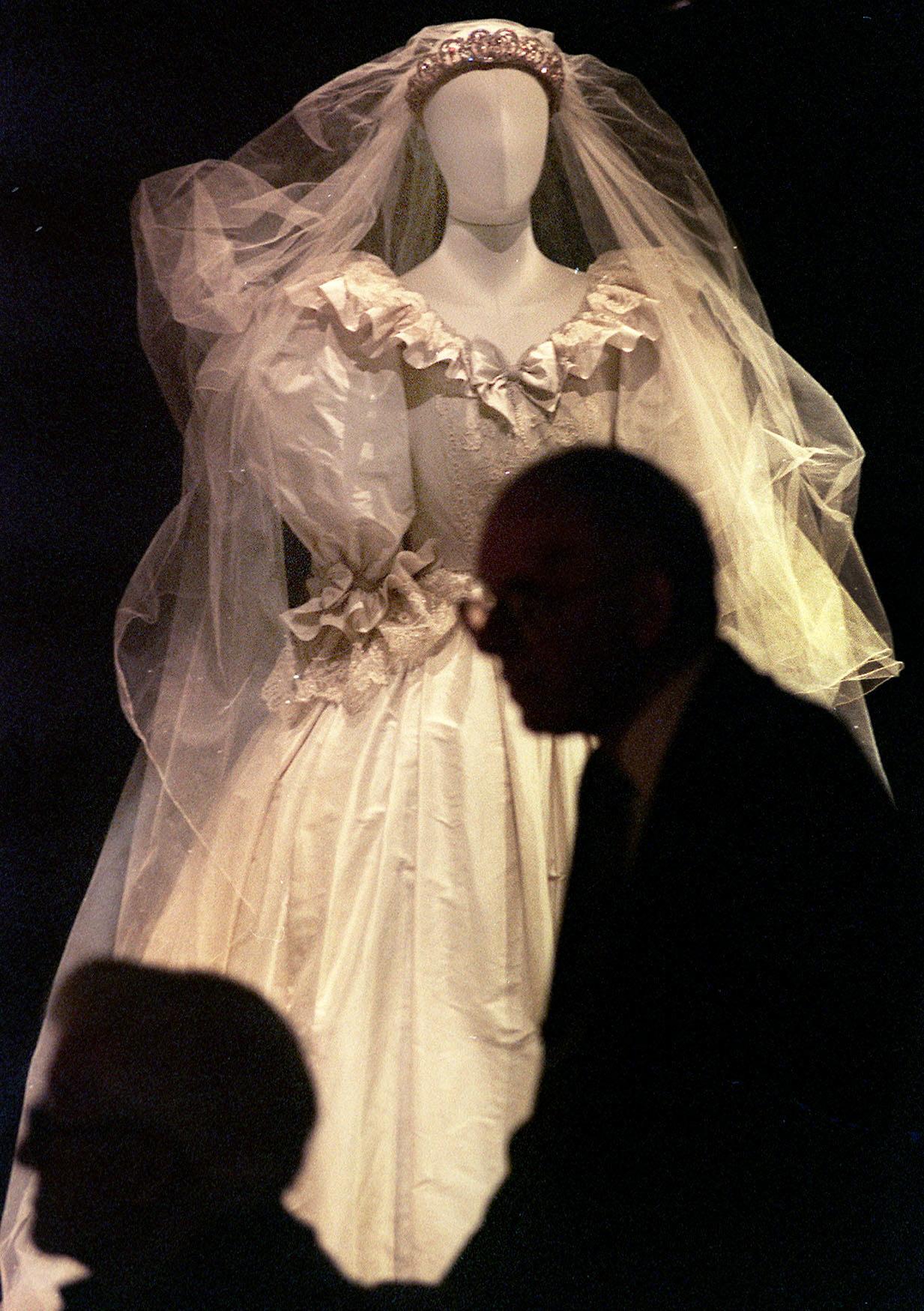 ccdbd99e83c9 L abito da sposa di Lady D in eredità ai figli William ed Harry (FOTO) -  Photogallery - Rai News