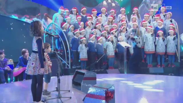 Canzoni Di Natale Zecchino D Oro.Video Rai Tv Speciale Natale Su Rai Uno Dall Antoniano Di