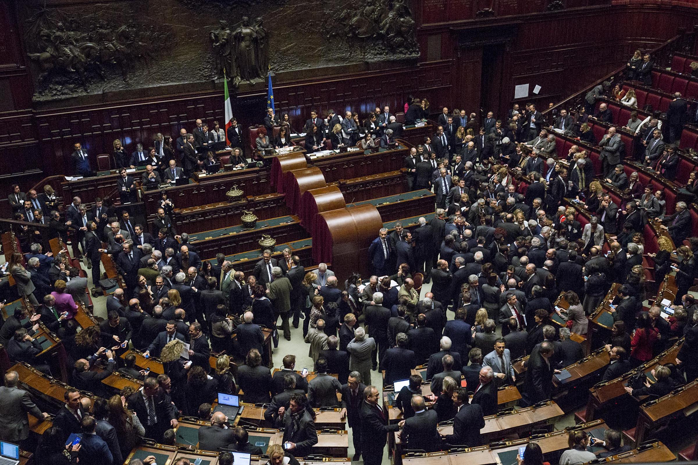 Quirinale primo giorno di votazioni a montecitorio volti for Tv camera deputati