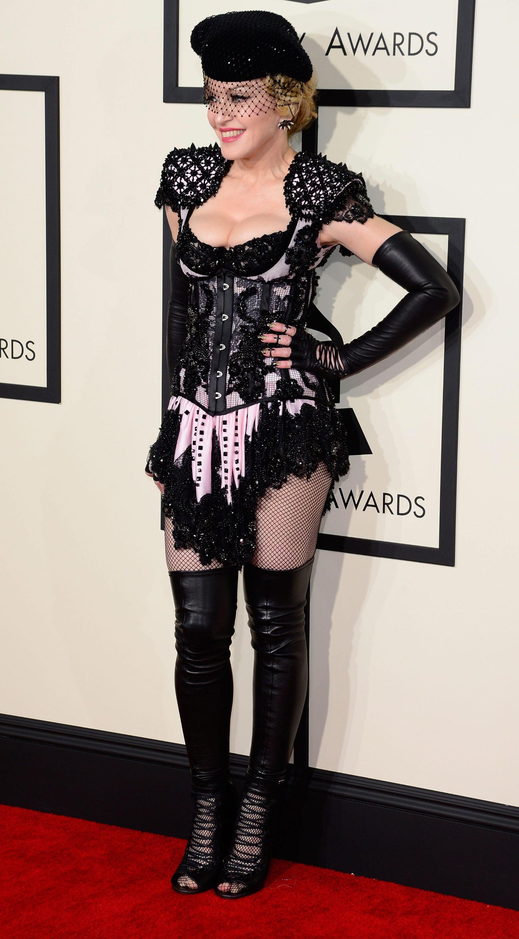 Grammy, Madonna è una sexy torera fetish per il suo nuovo