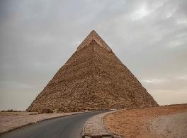 Piramidi e cielo: studio getta nuova luce sull'allineamento dei monumenti egizi ai punti cardinali